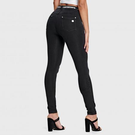 N.O.W.® Pants - Mid Waist Skinny - J7N - Black Denim - Black Seam