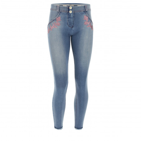 WR.UP® Denim Effect - Regular Waist Skinny - 7/8 Length - Frayed Hem and Embroidery - J4F - Clear Denim - Fucshia Seam